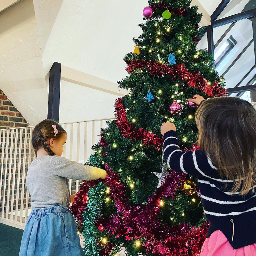 Feb-2021-Tree-Decorated-Victoria-Grayson